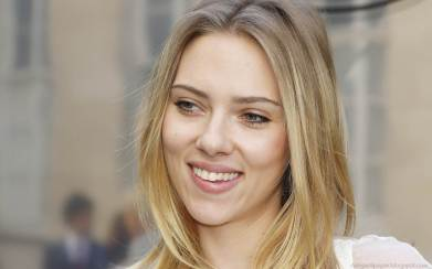 Scarlett-Johansson-Wallpapers-17