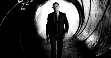 daniel-craig-estampa-o-cartaz-nacional-de-007---operacao-skyfall-23-filme-do-agente-james-bond-1337794625397_956x500