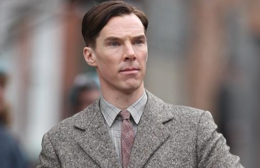 Apesar da categoria disputada, é provável que  Benedict Cumberbatch leve o prêmio.