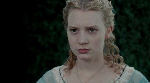 Screencaps-from-The-Movie-Alice-In-Wonderland-alice-in-wonderland-2010-13049640-900-500