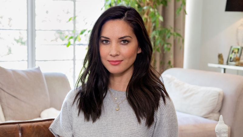 vogue_73-questions-with-olivia-munn